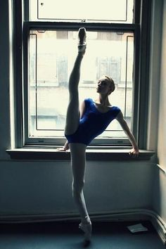 ballet-every-day: Catherine Hurlin? Dance 4, Lets Dance, Ballet Class, Ballet Dancers, Ballet Art, Dance Photos, Dance Images, Dance Pictures, Dance Like No One Is Watching