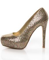 Finally! A pretty shoe with a closed toe!! (I HATE open toe shoes!)
