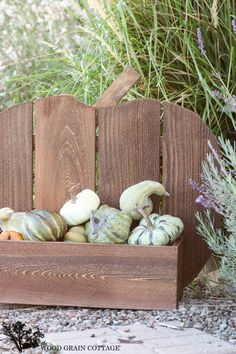 Rustic Wood Pumpkin Stand - The Wood Grain Cottage