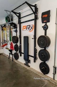 A garage gym like this would be pretty cool. if there isn't room in the house for a personal gym. Home Gym Garage, Diy Home Gym, Gym Room At Home, Basement Gym, Garage House, Garage Doors, Crossfit Garage Gym, Car Garage, Dream Garage