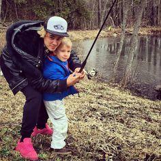justinbieber: #fishin @jaxonbieber