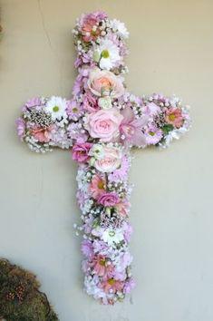 ჯვარი Crosses, Funeral, Hanukkah, Wreaths, Home Decor, Homemade Home Decor, Door Wreaths, Deco Mesh Wreaths, Interior Design