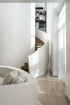 Interior stairs design stairways spaces Ideas for 2019 Interior Stairs, Interior Architecture, Interior And Exterior, Modern Interior, Modern Decor, Escalier Design, Casa Loft, White Stairs, Staircase Design