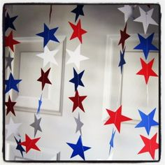 4th of July DIY paper garland! Easy and fun for the kids!