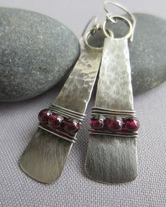 SALE 20%OFF/ Silver Hammered Earrings/ Hammered Silver Earrings with Garnet/ Modern Silver Earrings/Artisan Earrings/