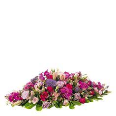 Raquette deuil - Raquette rose parme | Interflora Funeral, Floral Wreath, Bloom, Wreaths, Rose, Sweet, Decor, Flower Arrangements, Centerpieces