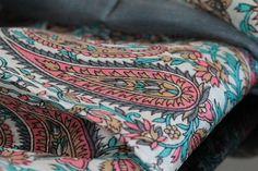 Le foulard chouchou, le chéri de cette collection de foulard en soie rare,  luxueux f2684c62b7d