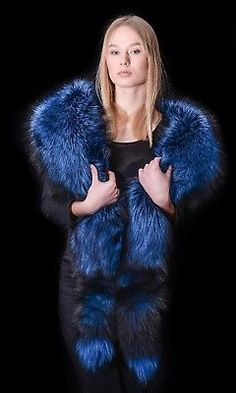 We are producing the highest quality fur and leather accessories over 20 years. I love hearing from you. Girly Outfits, Cute Casual Outfits, Stylish Outfits, Hip Hop Girl, Faux Shearling Coat, Fur Fashion, Fashion Clothes, Fashion Outfits, Fox Fur