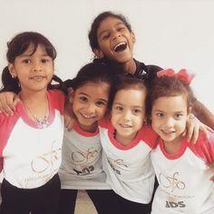 Sabías que #FotoPoseVenezuela tiene un espacio dedicado exclusivamente a los más pequeños de la casa?  Si quieres que tus hijos pasen unas vacaciones diferentes aprendiendo mientras se divierten inscribelos en nuestro #CursoVacacional de Modelaje.  El Curso Vacacional más Fashion del país.  Contáctanos: fotoposevenezuela@gmail.com 02123147620. . .  #Caracas #Venezuela #Guárico #Miranda #Vargas #Mérida #Guatire #ModelajeVenezuela #CursosVenezuela #TalentoVenezolano #AgenciaDeModelaje…