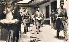 Sultanımız Vahdeddin'in Padişahlığının ilk günü,Culüs töreni.