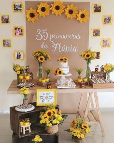 Quinceanera Party Planning – 5 Secrets For Having The Best Mexican Birthday Party Sunflower Party Themes, Sunflower Birthday Parties, Sunflower Wedding Decorations, Sunflower Wall Decor, Sunflower Cakes, Birthday Decorations, 15th Birthday, Diy Birthday, Décor Boho