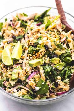 This super easy Mexican Street Corn Chicken Pasta Salad is the perfect summer staple main dish or side dish recipe. Healthy, delicious, and full of flavor! This easy Avocado Salad Recipes, Healthy Salad Recipes, Pasta Recipes, Bacon Avocado, Avocado Egg, Chicken Recipes, Healthy Foods, Chicken Pesto Pasta Salad, Pasta Salat