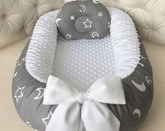 Diy Crafts - Babynest for Newborn Sleep bed Baby nest co sleeper baby Baby Nest Pattern, Diy Mattress, Baby Nest Bed, Snuggle Nest, Co Sleeper, Newborn Sleeper, Diy Bebe, Baby Gadgets, Baby Cocoon