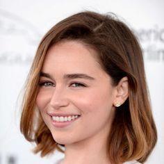 coupe cheveux epais carre court emilia clarke