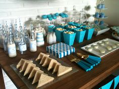 blue baby shower candy table deco party http://superfluo-imprescindible.blogspot.com.es/2012/05/una-baby-shower-muy-especial.html#