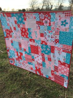 Baby girl quilt, crib quilt, modern, Riley Blake, Twice as Nice, red, turquoise, pink #rileyblakedesigns #thequiltedfish #sugarandspice