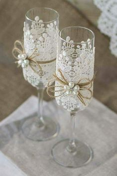 wedding glasses with lien rope white lace and white pearls atelieviolet via face. wedding glasses with lien rope white lace and white pearls atelieviolet via face. Wedding Toasting Glasses, Wedding Flutes, Diy Wedding Wine Glasses, Decorated Wine Glasses, Wedding Toasts, Wedding Accessories, Décor Ideas, White Lace, Wedding White