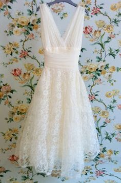White Ivory Lace Flower Girl Dresses 2017 Tank Long Girls First Communion Dress Pagaent Dress vestidos primera comunion 2016 from Reliable dresses plus size girls suppliers on Bright Li Wedding Dress Vintage Dresses, Vintage Outfits, Vintage Fashion, Vintage Lace, Trendy Fashion, Costume, Mode Outfits, Mode Inspiration, Dress Me Up