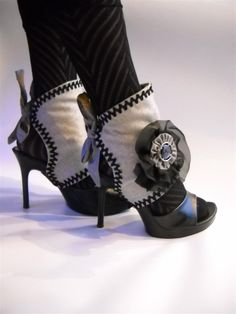 Spats! Love them..maybe a little different fabric !!!