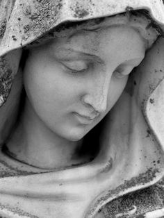 Thank Goodness, Mary Mothers Our Kids Roman Sculpture, Sculpture Art, Sculptures, Catholic Art, Religious Art, Garden Mural, Images Of Mary, Wood Carving Designs, Mary And Jesus