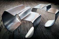 Alumiinin sietämätön keveys . Alu -rannerenkaat on ihan mun lempparit. #unbearable #lightness of #aluminum #love these #bracelets #unique #jewelry #handmade in #finland by #anuek #kerava