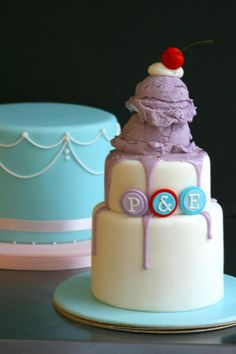 Ice cream and cherry topped birthday cake. Beautiful Cake Pictures, Beautiful Cakes, Amazing Cakes, Fondant Cakes, Cupcake Cakes, Cupcakes, Melting Ice Cream Cake, Special Birthday Cakes, Candy Cakes