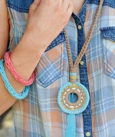 Eagle Peak crochet jewelry - Free Pattern: Make room in your jewelry box for these unique crocheted necklaces and bracelets in Schachenmayr Journey. ༺✿ƬⱤღ✿༻