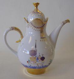 Meissen Porcelain Russian Moscow Coffee Pot