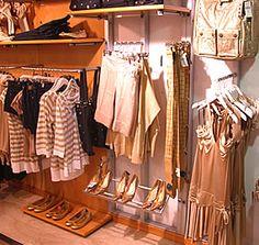 Negozi a Lignano Sabbiadoro http://www.lignanosabbiadoro.com/negozi-e-shopping-lignano