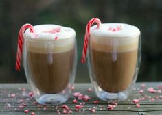 Peppermint-White-Chocolate-Latte