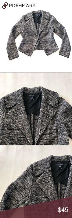 "NWOT Banana Republic peplum blazer jacket 10 NWOT Banana Republic blazer jacket Size 10 Chest 38"" Waist 34"" Length 23.5"" Cotton wool blend Banana Republic Jackets & Coats Blazers"