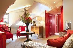 La Maison Favart: A Boutique Hotel With Modern Interpretation of Century Parisian Decor Luxury Interior Design, Interior Architecture, Interior Decorating, Modern Georgian, Parisian Decor, Hotel Paris, Amazing Decor, Colorful Furniture, A Boutique