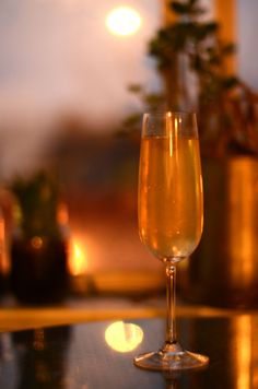 1 tsp Rooibos Tea, 1 oz Vodka, 1 tsp Honey, ¼ lemon, bubbly (cava, champagne, brut, no need to use anything too expensive)