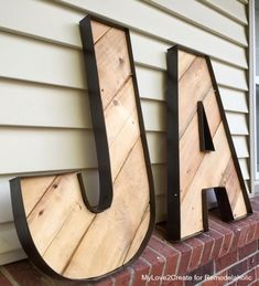 Rustic Industrial Letters Made From Wood Pallets and Old Blinds