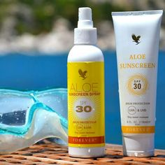 Aloe sunscreen spray, Aloe sunscreen 30 SPF water-resistant sunscreen containing soothing aloe vera! Forever Living Aloe Vera, Forever Aloe, Aloe Sunscreen, Wear Sunscreen, Forever Living Business, Protector Solar, Broad Spectrum Sunscreen, Summer Skin, Forever Living Products