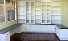 Wish I had this layout for my scraproom. I just have a guest room closet to stuff my supplies into.