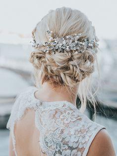 Bridal Comb, Bridal Headpieces, Trending Hairstyles, Diy Hairstyles, Bridal Hairstyles, Prom Hair Updo Elegant, Box Braids Pictures, Prom Hair Accessories, Bridesmaid Hair Updo