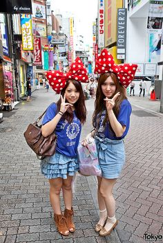 I first arrived to Japan in  77' and the V sign is still popular today when taking pictures. Cute aren't they?