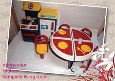 cocina + heladera + juego de mesa y sillas pleglabes