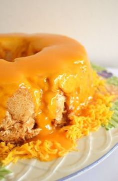 Um docinho pensado para o avô guloso, num almoço de Domingo! :)    Ingredientes:  (molotof)  8 claras 10 colheres (sopa) de açúcar 1dl de ca...