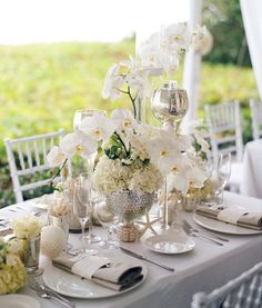 11 Wedding Flower Rules (Straight From the Pros!) You want your wedding flowers to be beautiful -- and so does your florist. Here are a few expert tips for making that happen!