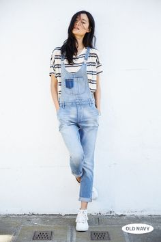 Kick back in a pair of light wash denim overalls and a comfy striped tee. Perfect for all your autumn weekends.