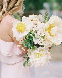 #Repost @whitelilycouture ・・・ Bouquet goals! 😍 via @burnettsboards ⠀ .⠀ .⠀ .⠀ ⠀ #weddingflowers #weddings #brisbanebridal https://www.instagram.com/p/BfCHTPJl4GD/ Sunshine Coast Brides www.sunshinecoastbrides.com.au