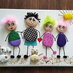 Siparis #aile #sevgi #hediye#kisiyeozel #taşboyama #stonepainting #rockpainting #kızlar #girl #marjinal #tasarim #dizayn #artistoninstagram #artgallery #artwork #gift #follow #doğal #naturel #instagood #instalike Kids Crafts, Diy And Crafts, Craft Projects, Arts And Crafts, Pebble Painting, Pebble Art, Stone Painting, Stone Crafts, Rock Crafts