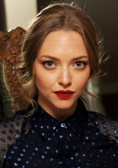 Must-Try Makeup Idea for Fall: The Hypnotically Gorgeous New Color Combo Amanda Seyfried Wore Last Night
