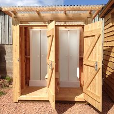 Twin Outdoor Shower Cubicle - Composting Toilets - All Products Outdoor Shower Enclosure, Solar Shower, Outdoor Showers, Lavabo Exterior, Camping Nature, Outdoor Toilet, Outdoor Bathtub, Shower Cabin, Outdoor Bathrooms