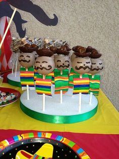 Cinci de Mayo Fiesta Pops Mariatchi's wearing Brown sombreros and multi colored ponchos or serapes Mexican Birthday Parties, Mexican Fiesta Party, Fiesta Theme Party, Taco Party, Party Themes, Party Ideas, Cake Pops, Fiestas Party, Cute Cakes