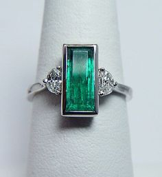 change to sapphire Art Deco Platinum, Emerald & Diamond Ring