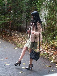 Jennifer Kaya Canadian fashion blogger www.jenniferkaya.com #fashion #fashionblogger  #fashion #leather bag #small bag #black bag #sholder bag #glasses #dress #ootd #style #business outfit #classic #elegant  #cute outfit #heels #high heels  #boots  #fall # autumn #beige jacket  #Jacket #fur jacket