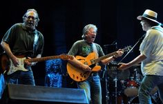 i love that richie furay is wearing a bonnaroo tshirt...playing at bonnaroo :)